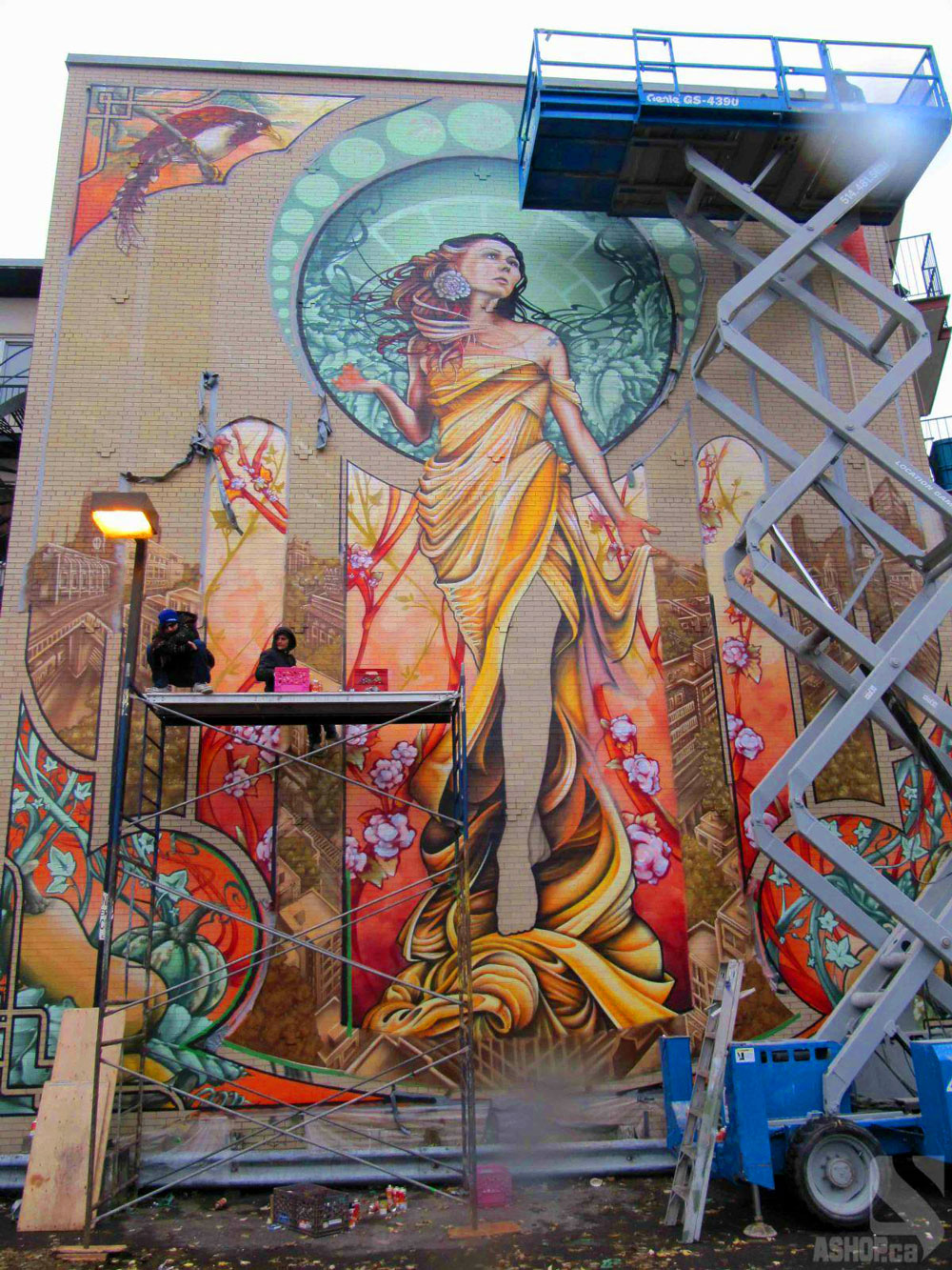 Graffiti artists fluke guillaume lapointe antonin lambert dodo ose and bruno rathbone spent two weeks researching the project and gathering tools they